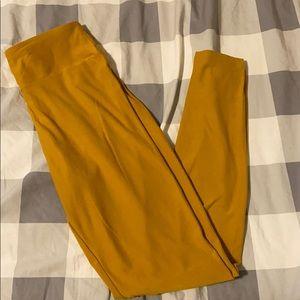 Solid mustard yellow lularoe one size leggings